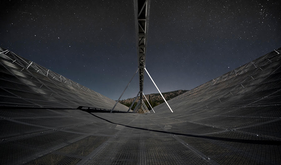 For the first time astronomers observe rapid radio bursts in our galaxy