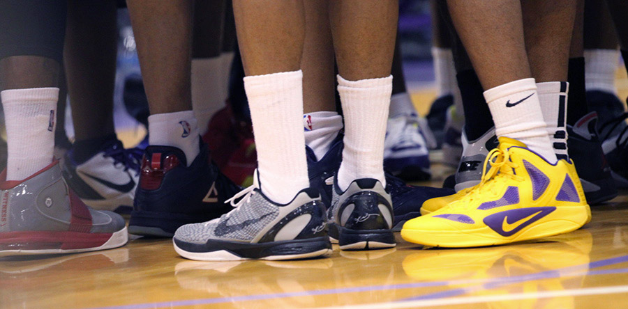 low rise basketball shoes